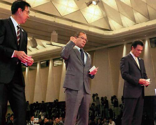 田村スカウトは、1994年にドラフト6位で広島に入るも、成績を残せなかったため2002年に引退、2005年からスカウトを務めるベテランスカウトマンだ。