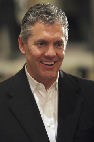 田中の代理人を務めるクロース氏。1963年、オハイオ州生まれ。1986年にドラフト7巡目でヤ軍入りするも、'90年に引退。 現在はテシェイラ(ヤ軍)、ハワード(フィリーズ)ら、各球団の主力選手の代理人を担当する