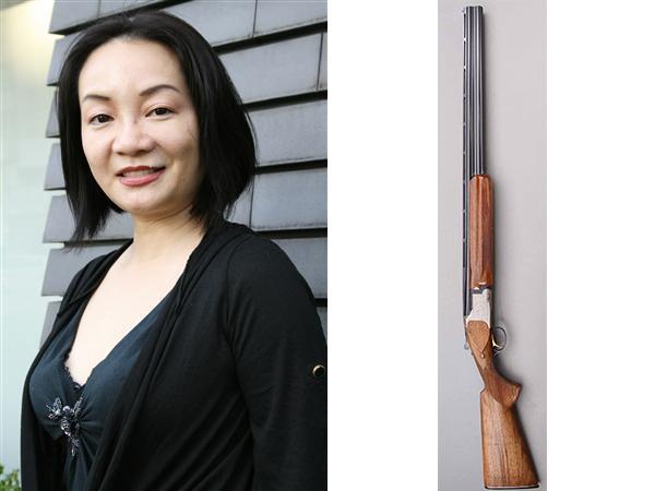 岩井志麻子が夫と離婚後、散弾銃を抱えて上京した話がヤバすぎる