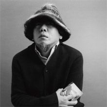 小西康陽. KONISHI yasuharu. 作曲家。DJ。昨年より新レーベル、columbia*readymadeのプロデューサーを務める。