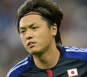 遠藤保仁。34歳。攻撃陣に通す1本のパスで局面を打開できる。円熟したフリーキックも日本代表にとって強力な武器。