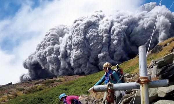 御嶽山噴火は富士山噴火の前兆―大地震が引き起こす連続噴火の関係