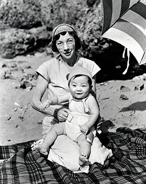 海水浴に行った時の孝太郎さんとリタ