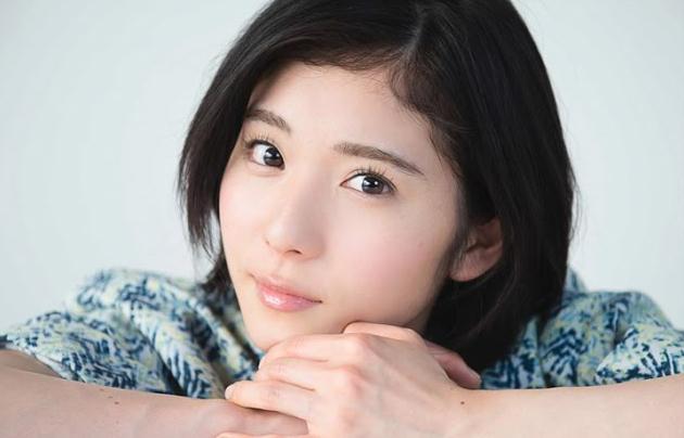 松岡茉優の素顔―好き嫌いがハッキリ分かれる次期CM女王のプロ意識