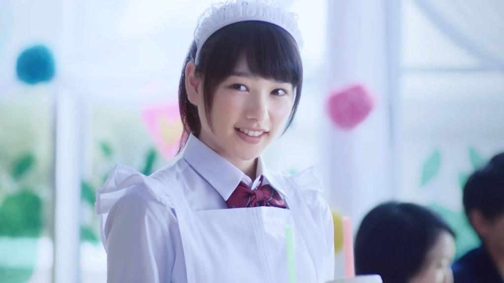 """白猫のCMに出てるメイドはだれ?―""""岡山の奇跡""""と呼ばれた美少女・桜井日奈子の魅力"""