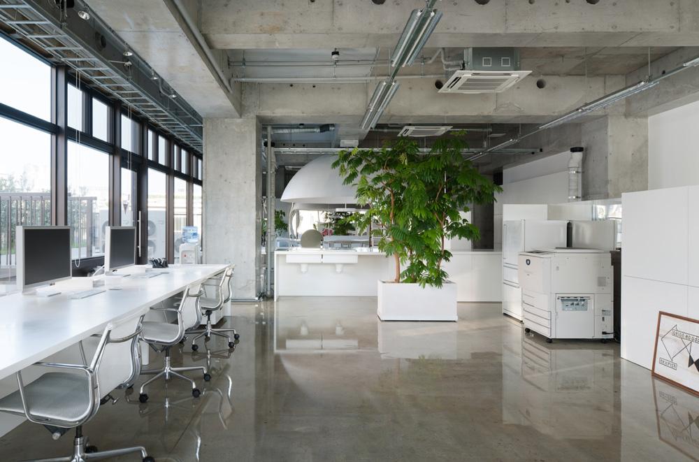 佐野研二郎の事務所写真まとめ―江川達也氏「無個性で無人格、無味乾燥な白い部屋」